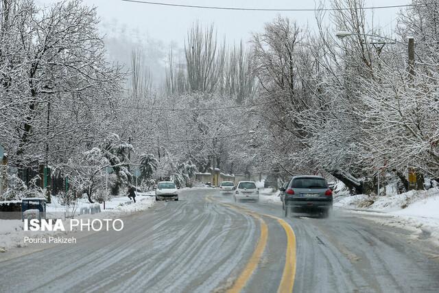 بارش سنگین برف در محورهای البرز