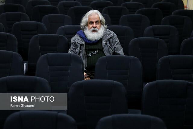 محمد رحمانیان: امنیتی شدن تئاتر، فضای کار را سخت می نماید