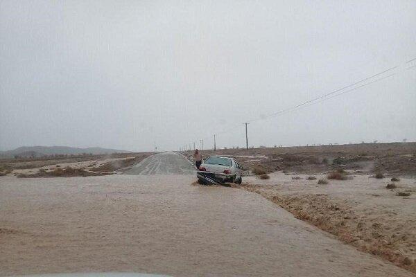6 محور در استان سمنان مسدود شد، مسافران در شهرها بمانند