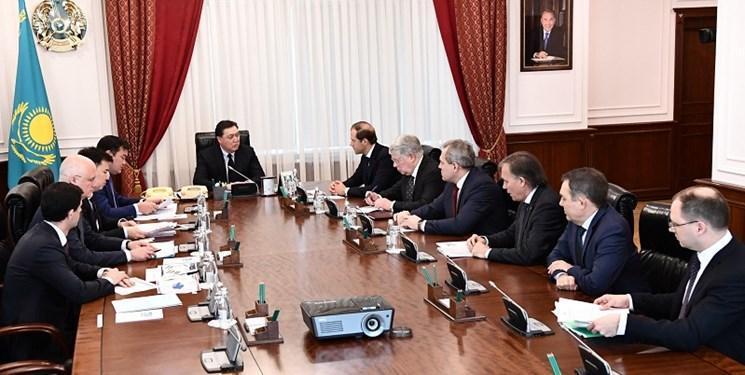 دیدار نخست وزیر قزاقستان با وزیر صنایع و تجارت روسیه