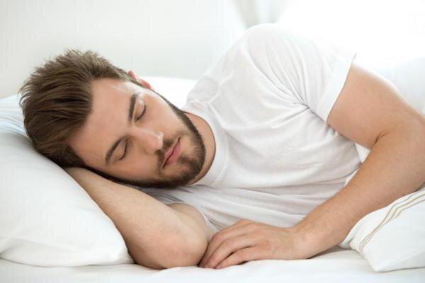 چرا خوابیدن در تاریکی توصیه می شود؟