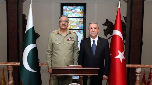 دیدار وزیر دفاع ترکیه و رئیس ستاد مشترک ارتش پاکستان