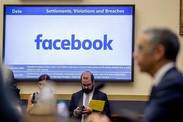 سناتور آمریکایی صحت پیام های فیس بوکی را به چالش کشید