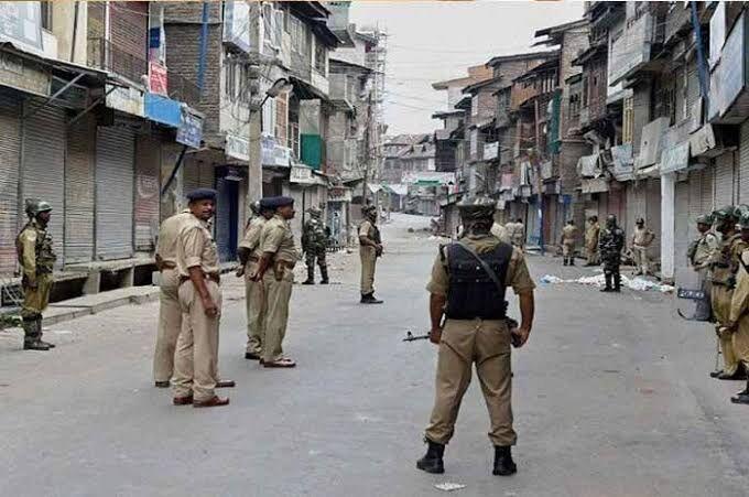 درخواست پاکستان از هند با شیوع کرونا ، آزادی زندانیان و لغو محدودیت ها در کشمیر