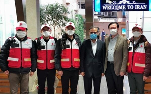 سفیر ایران در چین: در حال مبارزه همزمان با تحریم ها و کرونا هستیم