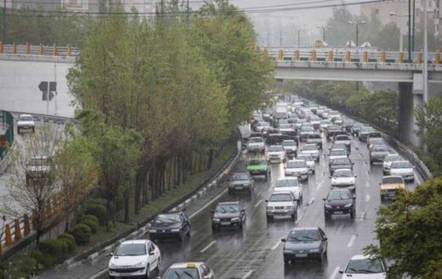 آزادراه های منتهی به کرج شلوغ ترین جاده های کشور